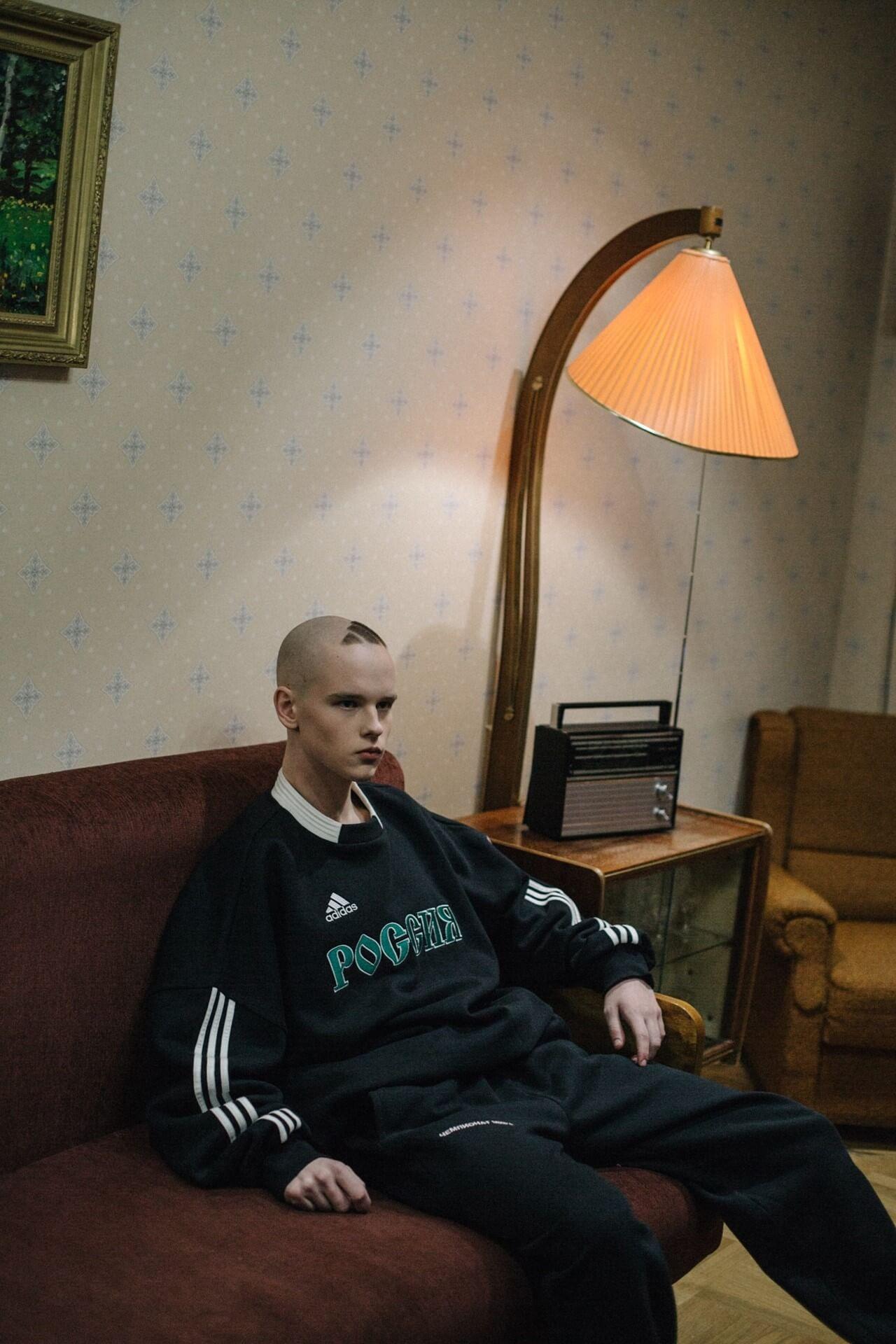 Gosha Rubchinskiy: Kitsch y streetwear post-soviético a tres rayas en colaboración con adidas