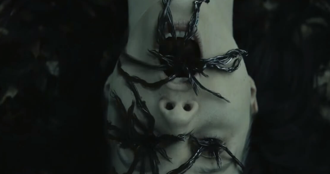 """El meme de """"Slender Man"""" cobra vida para darte escalofríos y pesadillas en su primer trailer"""