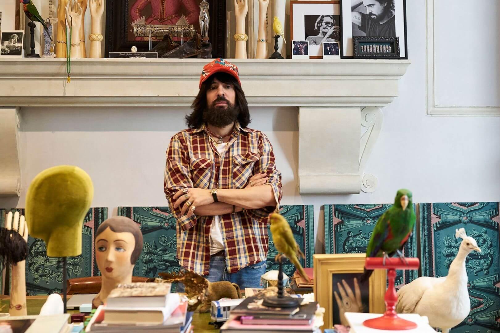 Alessandro Michele en su atelier. Fotografía: Peter Schlesinger.