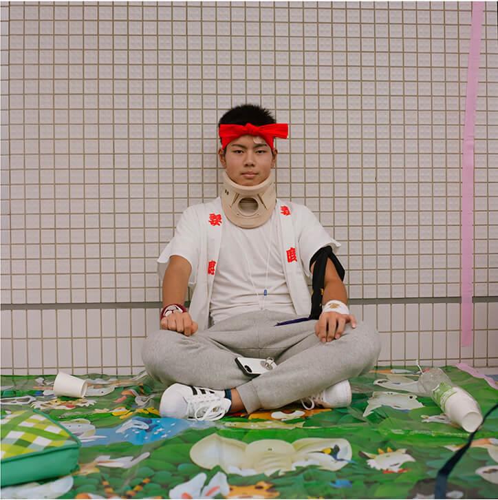 Kim Jakobsen To: Retratos masculinos que reflejan la vulnerabilidad de la identidad cultural