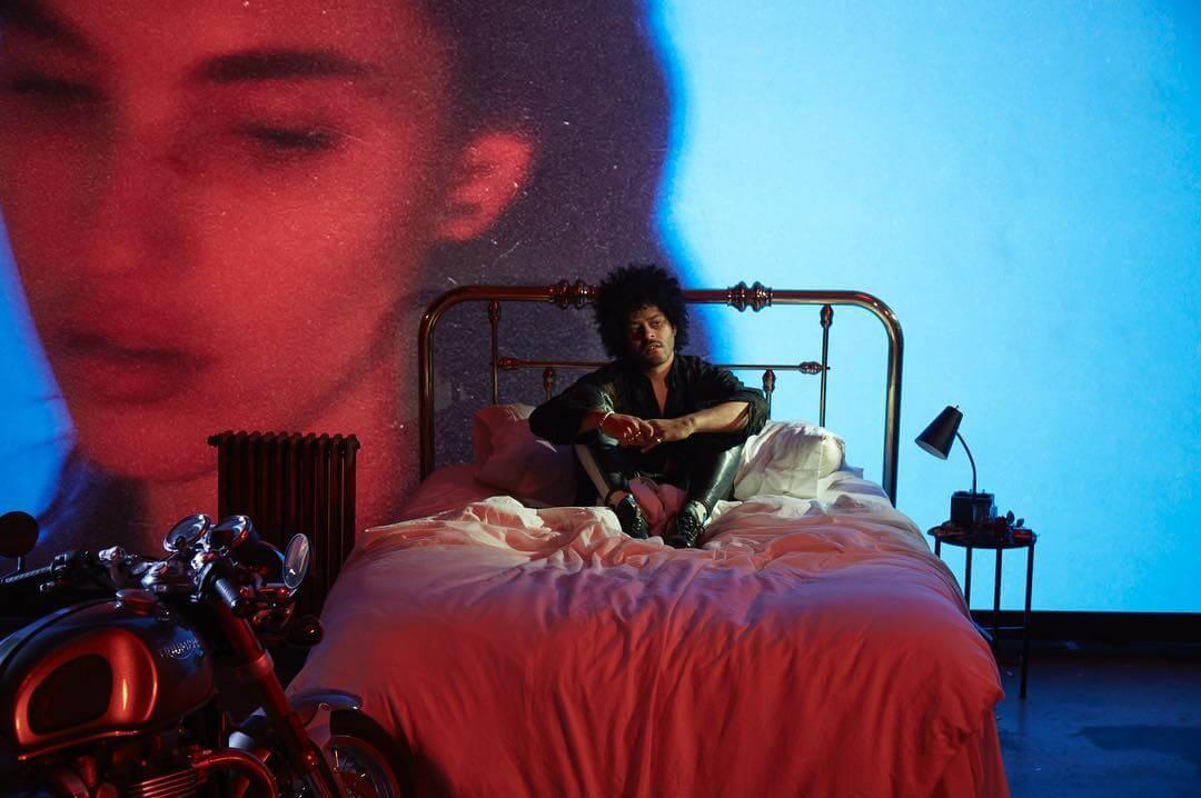 14 lanzamientos recientes que debes escuchar: Twin Shadow + Janelle Monáe + J Balvin y más
