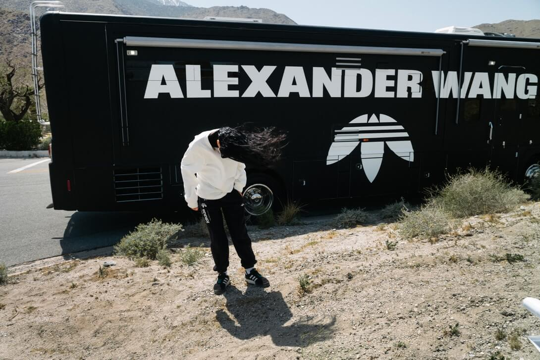 Alexander Wang x adidas Originals Season 3: un road trip salvaje por el desierto californiano