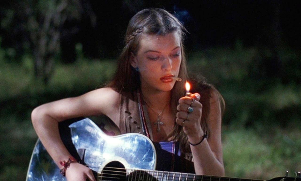 13 películas dementes para ver mientras te sumerges en una nube de marihuana