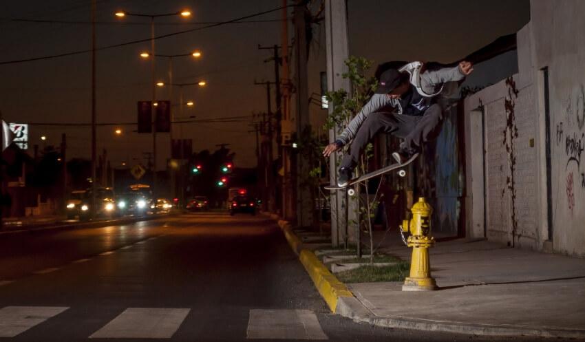 Chile: Skaters, patinadores y ciclistas tendrán prohibido circular por la vereda