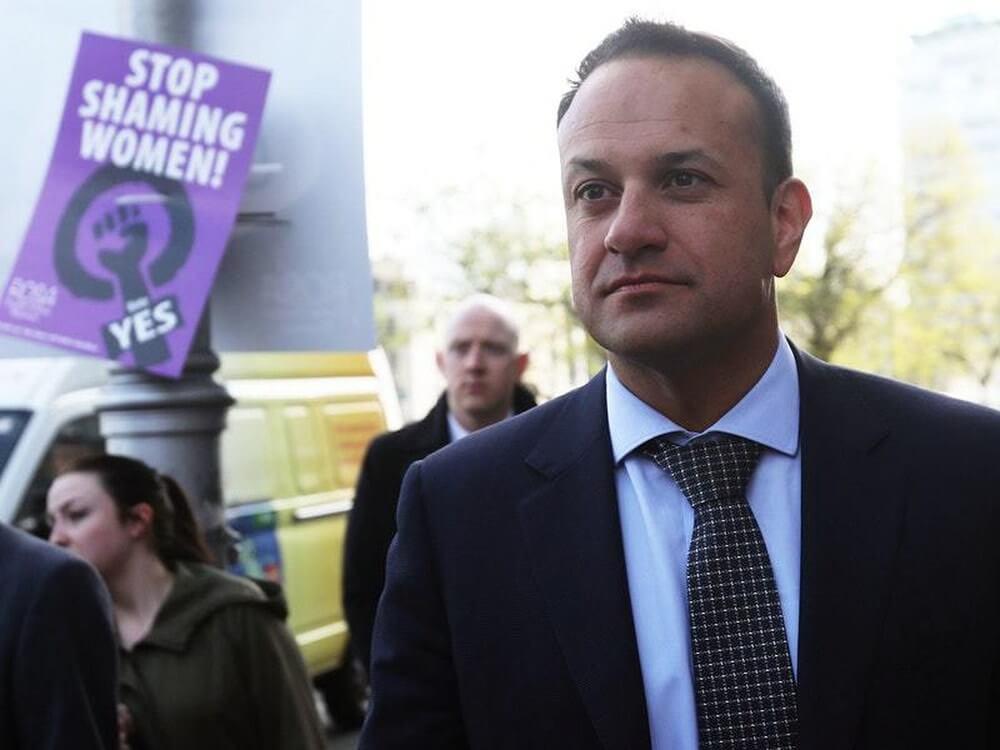 Leo Varadkar en una de las protestas a favor de la legalización del aborto en Irlanda. Fotografía: Independent.ie