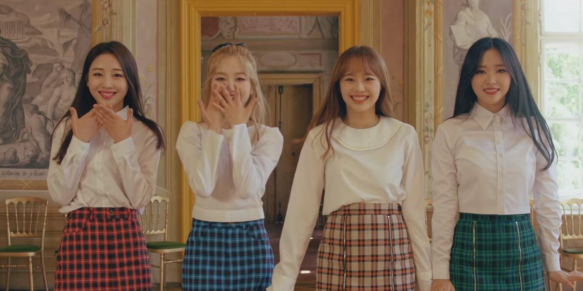 """La girlband k-pop LOOΠΔ recluta a Grimes en su nuevo video, """"love4eva"""""""