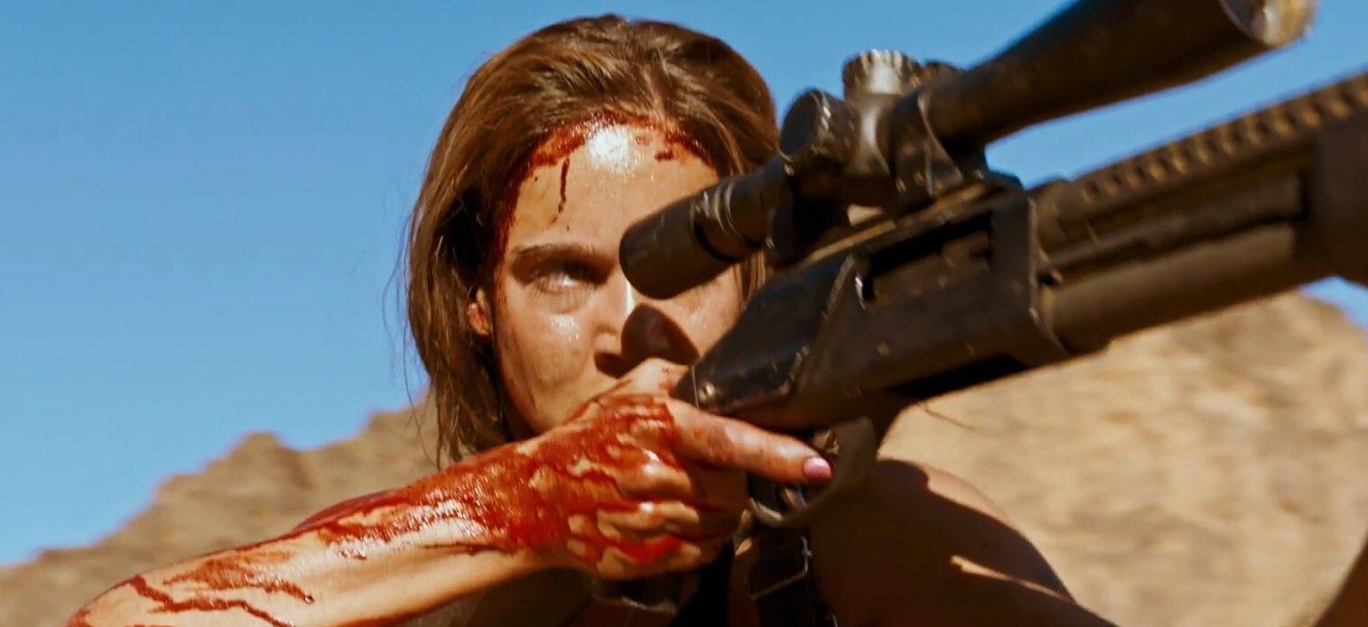 """Revenge"": El thriller feminista francés que combina pop art, gore y ""Kill Bill"" para desangrar al patriarcado"