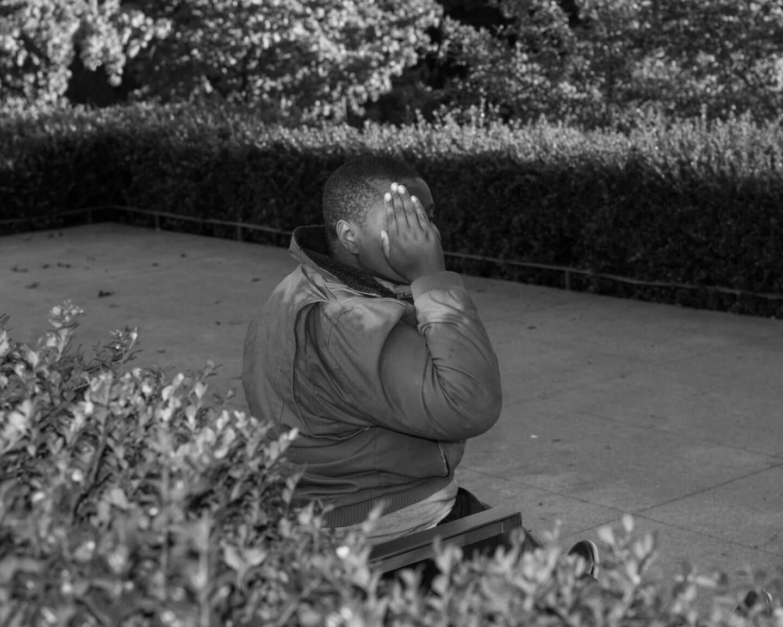 Andrew Waits: Postales monocromáticas y oníricas que reflejan la paradoja del paisaje urbano