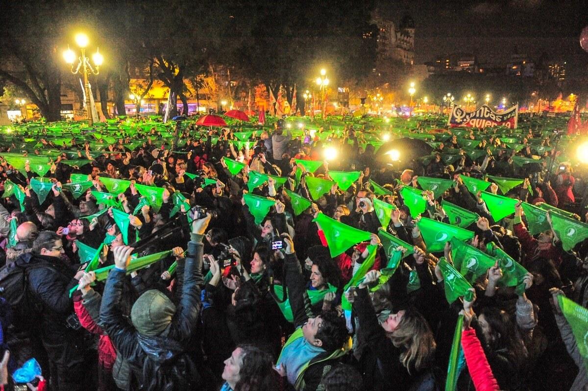 #NiUnaMenos: 20 imágenes memorables de la marcha feminista que sacudió a Argentina