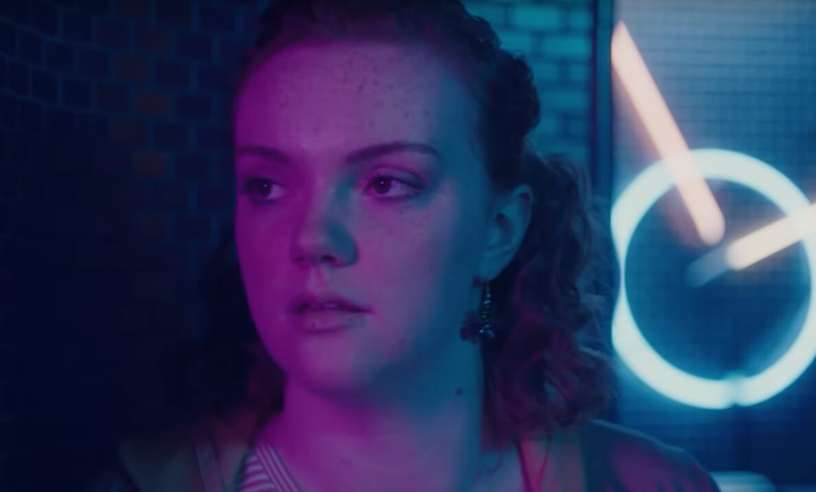 """""""Sierra Burgess Is A Loser"""": Barb de """"Stranger Things"""" será una experta en catfish en lo nuevo de Netflix"""