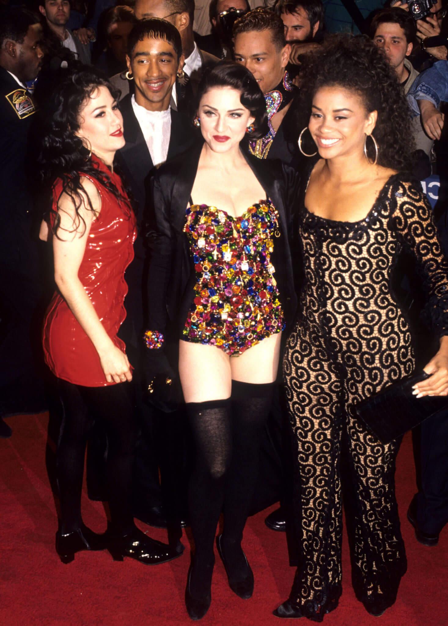 """Niki Harris, Madonna, y Donna Delory en la premiere de """"Truth or Dare"""" Fotografía: Kevin Mazur/WireImage"""