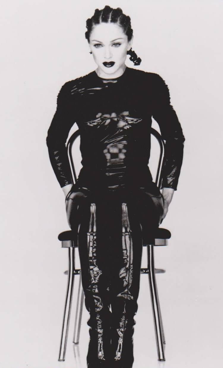 """Madonna en su video """"Human Nature""""."""