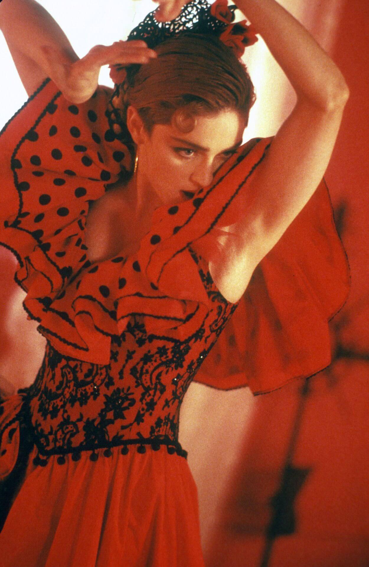 "Madonna en su video ""La Isla Bonita""."