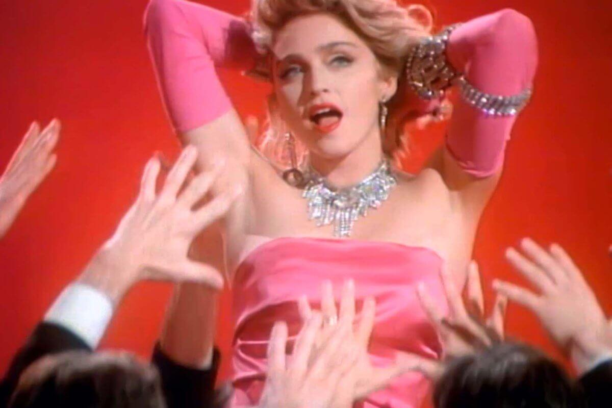 """Madonna en su video """"Material Girl"""""""