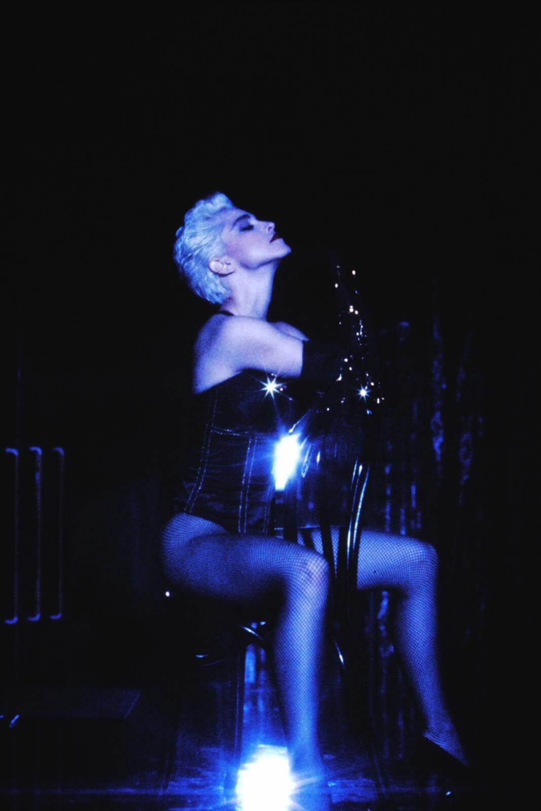 """Madonna en su video """"Open Your Heart"""""""