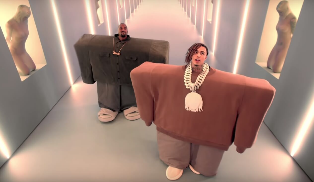 "Dale un vistazo al absurdo nuevo video de Kanye West y Lil Pump, ""I Love It"""