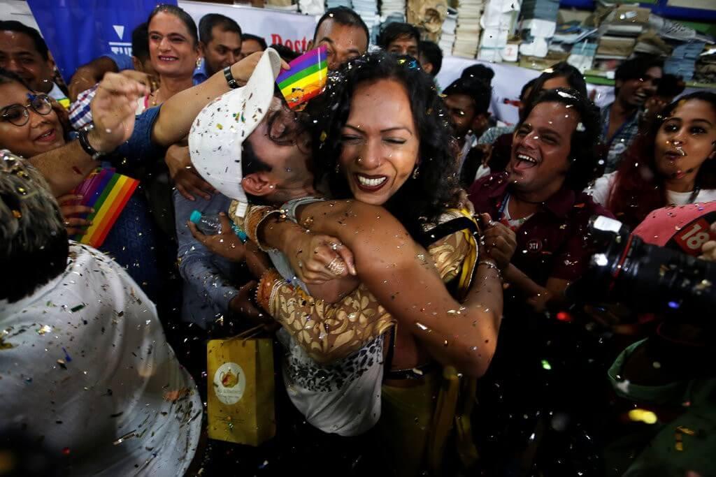 En una decisión histórica, la India despenaliza la homosexualidad después de dos siglos