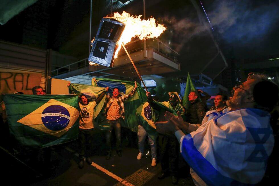 La ultraderecha se afianza en Brasil: Jair Bolsonaro a un paso de la presidencia