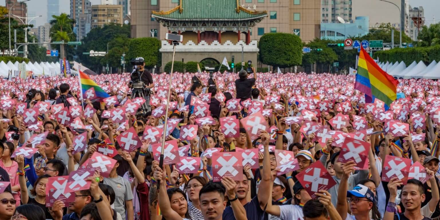 Taiwán da un paso atrás y rechaza el matrimonio igualitario en un referéndum