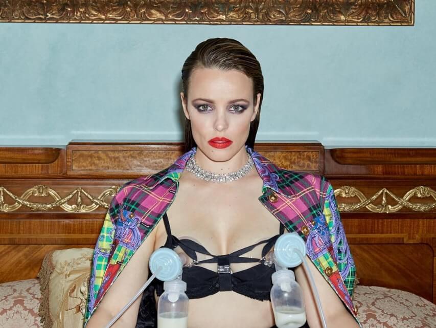 Así fue como Rachel McAdams normalizó la lactancia materna vistiendo Versace y un extractor de leche