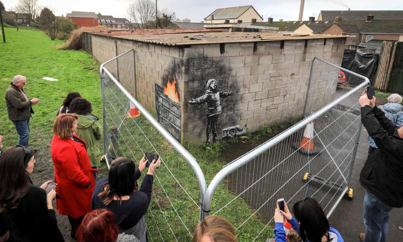 """El nuevo mural de Banksy es una pesadilla para el dueño del lugar: """"Quiero que mi vida vuelva a ser normal"""""""