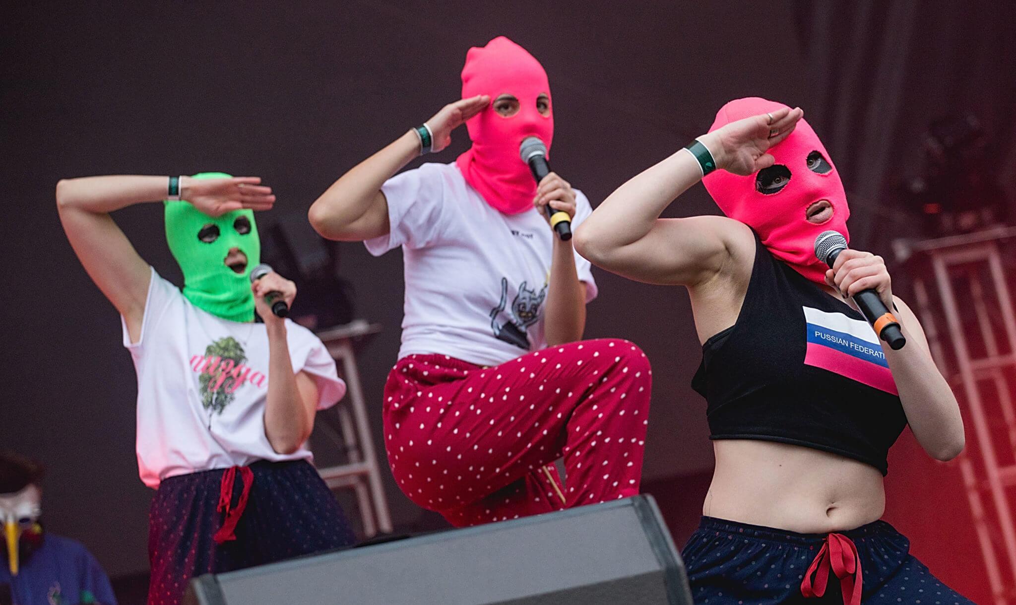 Pussy Riot trae su punk de resistencia a Chile, Brasil, Uruguay y Argentina