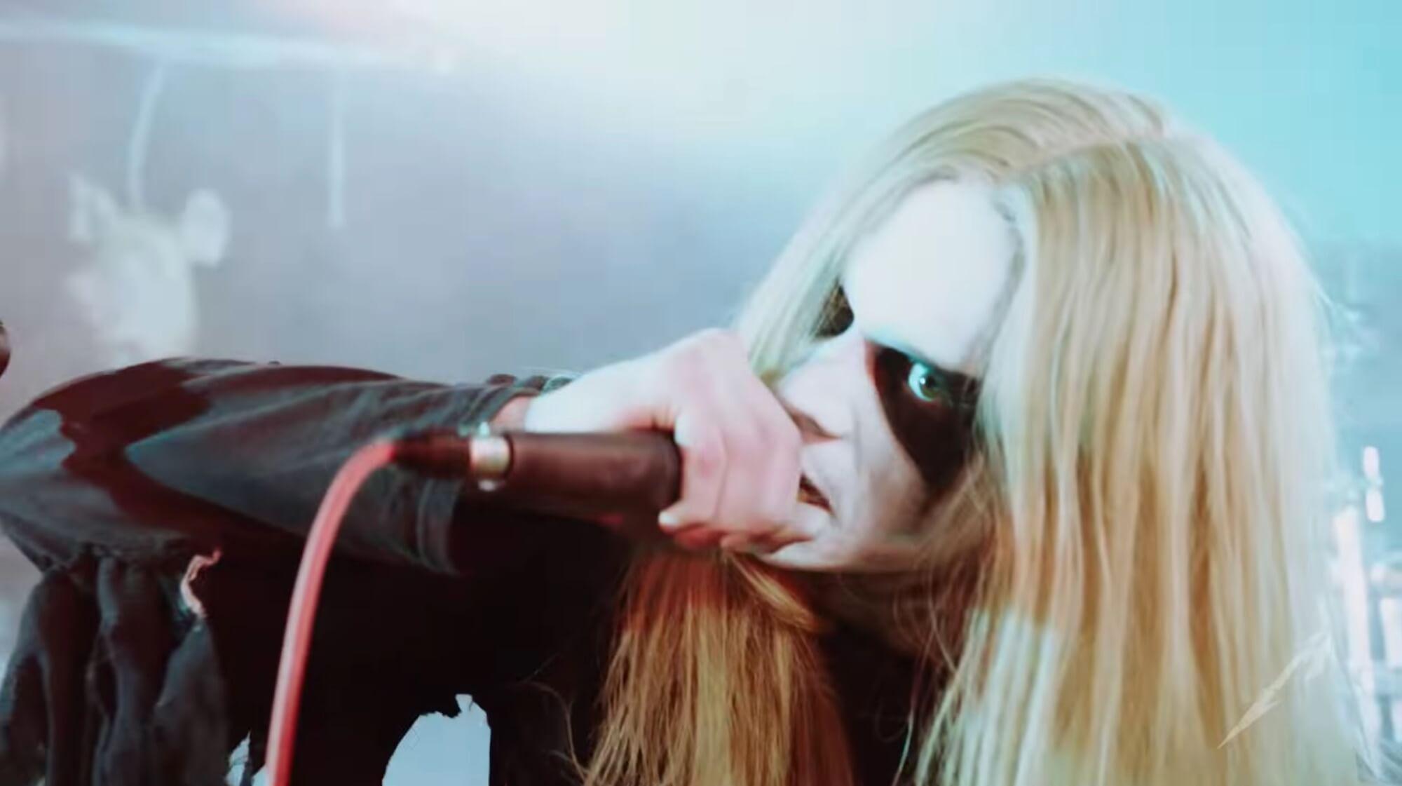 """""""Lords of Chaos"""": Sky Ferreira protagoniza un violento throwback al black metal noruego de los 90"""