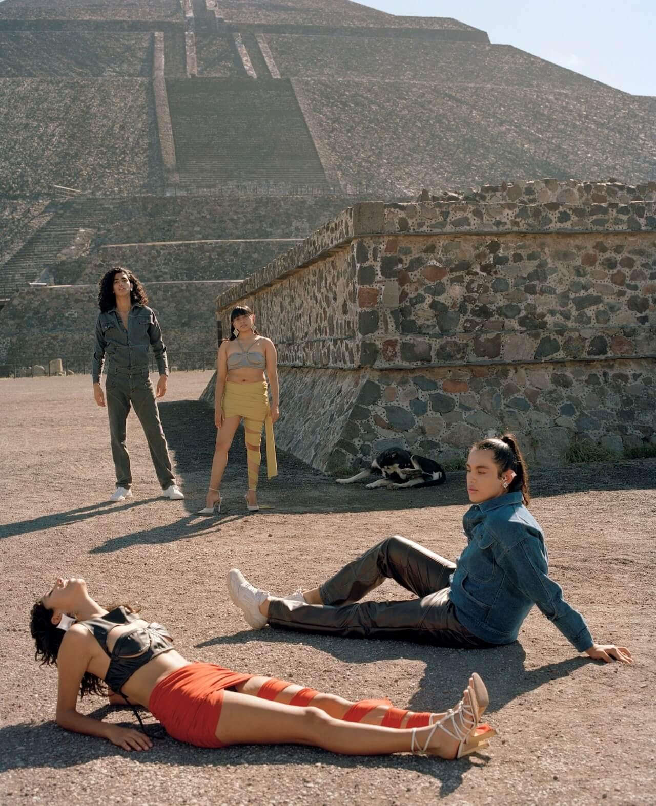 Víctor Barragán se va a las icónicas pirámides de Teotihuacán para su colección S/S 2019