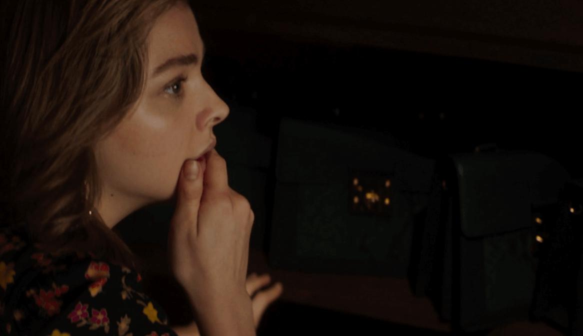 """Greta"": Isabelle Huppert es una viuda stalker y peligrosa que persigue a Chloë Moretz"