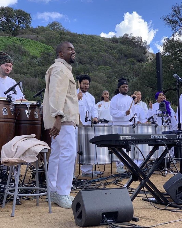 Kanye West's Sunday Service: Todo lo que necesitas saber del rito semanal del Yeezus del hip-hop