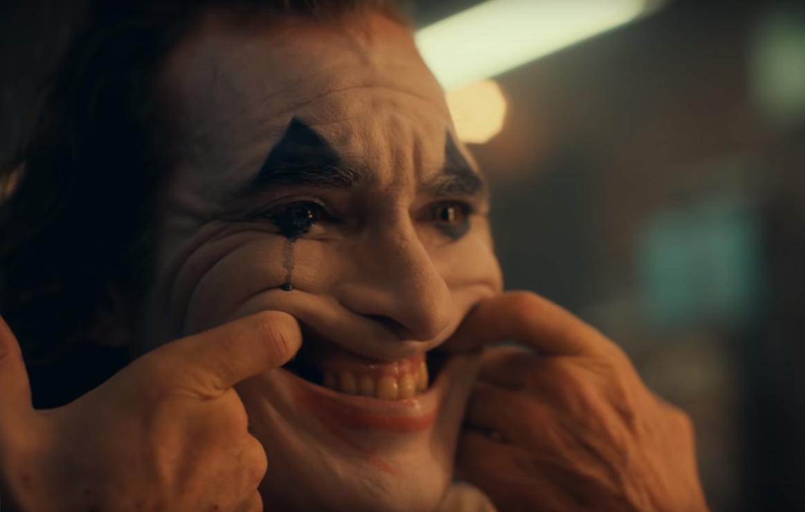 """""""Joker"""": Joaquin Phoenix se transforma en el icónico villano de Batman en un oscuro y perturbador trailer"""