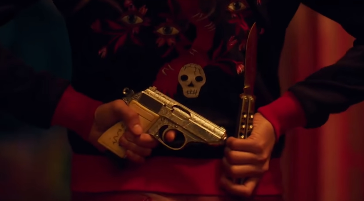 """Too Old To Die Young"": Nicolas Refn regresa con un violento trailer bañado de neón de su nueva serie para Amazon"