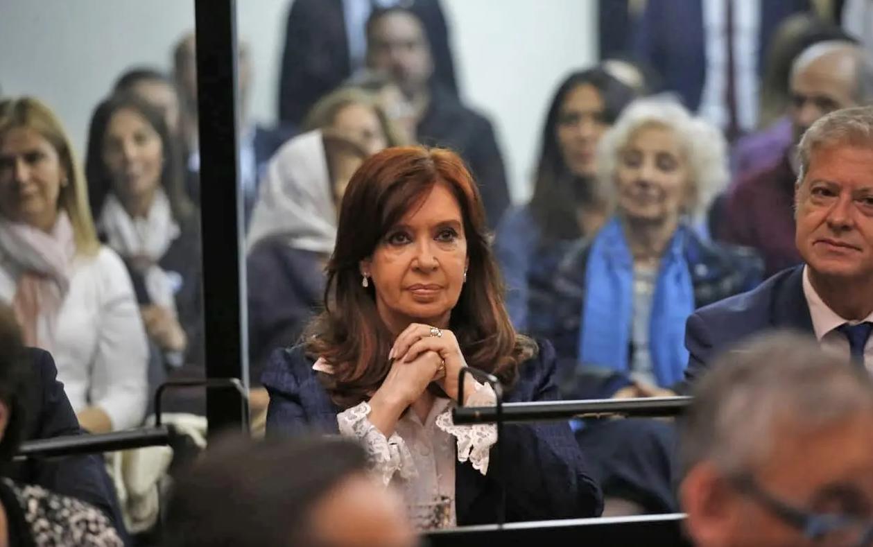 Cristina Fernández de Kirchner enfrentó su primer juicio oral por acusaciones de corrupción