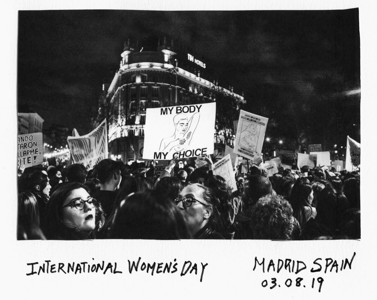 Donna Ferrato, la fotoperiodista que documentó 40 años de abuso doméstico para salvar mujeres