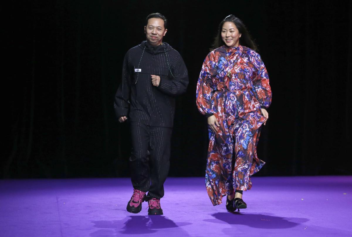 Humberto Lean y Carol Lim dejan Kenzo. Foto: Fashionista