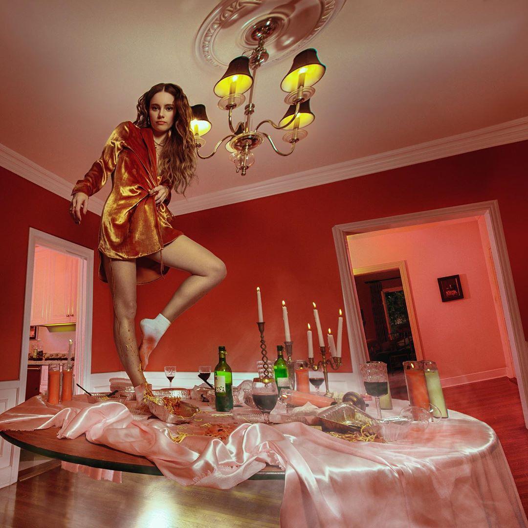 MOR.BO riot: CYN, la artista pop alternativa que hace canciones de amor peligrosas y sintetizadas