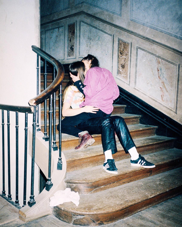 """Q&A con la fotógrafa Märta Thisner: """"Quería contar una historia sobre la búsqueda del amor y la identidad"""""""