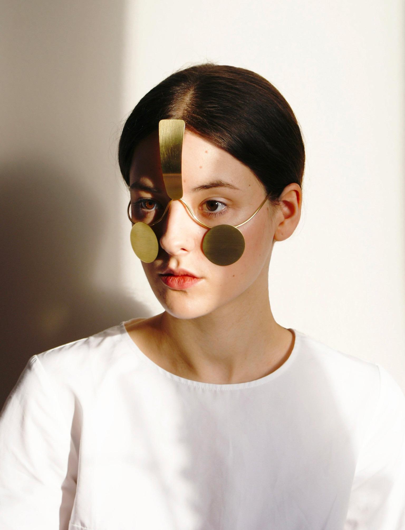 """""""Incognito"""", la innovadora pieza para el rostro que impide el reconocimiento facial"""