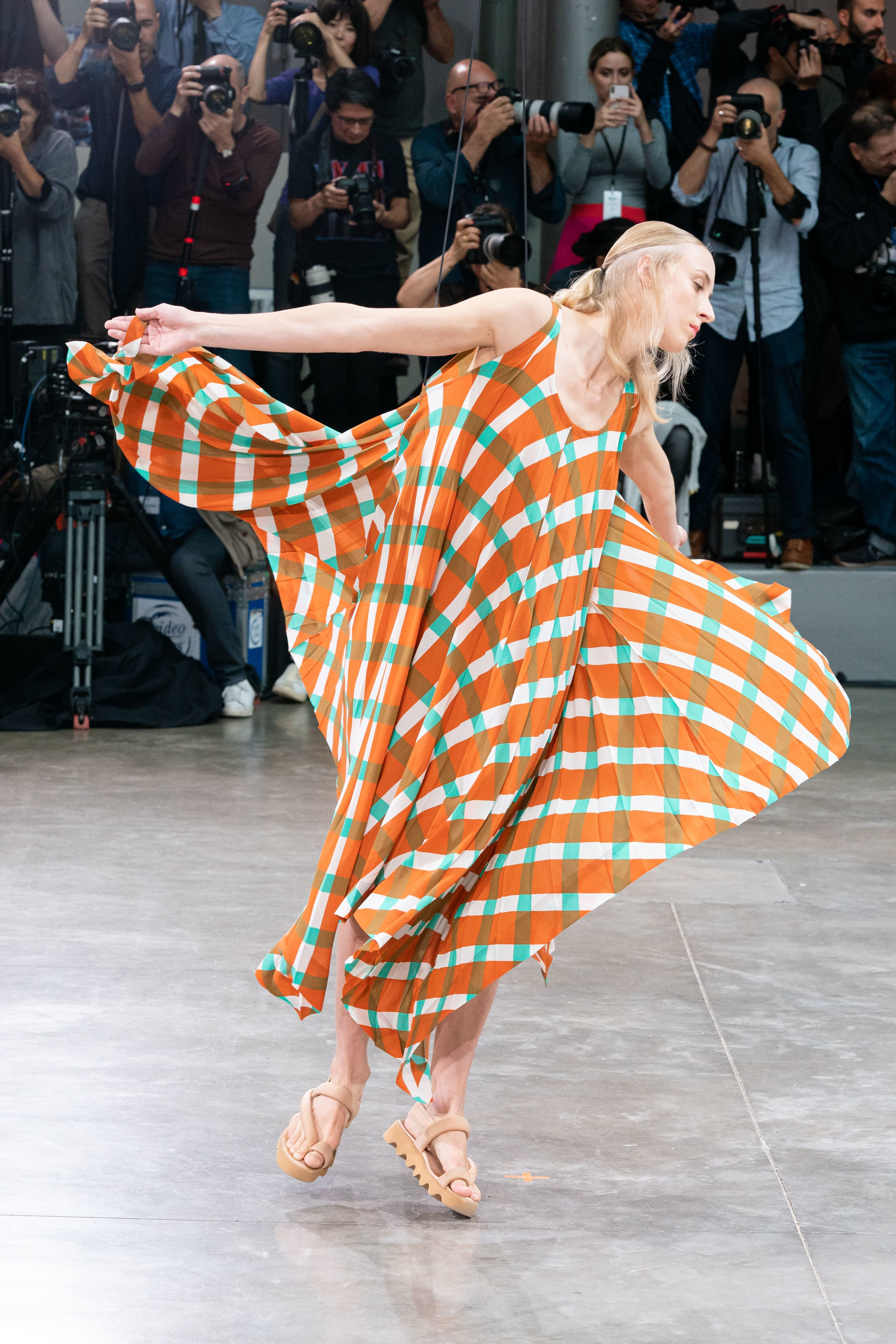 Issey Miyake SS20. Fotografía: Vogue