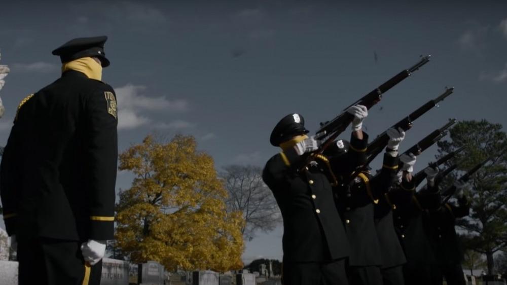 """""""Watchmen"""": Villanos y héroes enmascarados se enfrentan en un nuevo trailer de la serie de HBO"""
