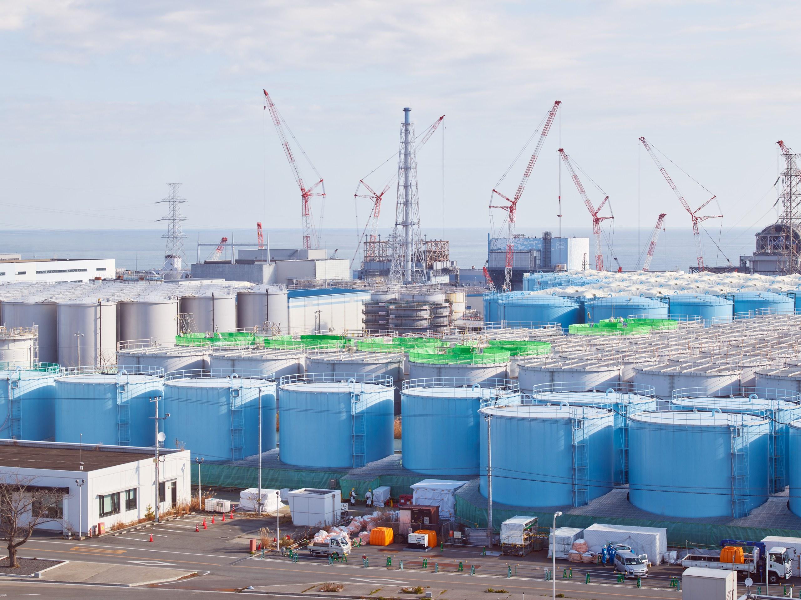 Japón: Agua radioactiva de reactores nucleares de Fukushima será drenada en el Pacífico