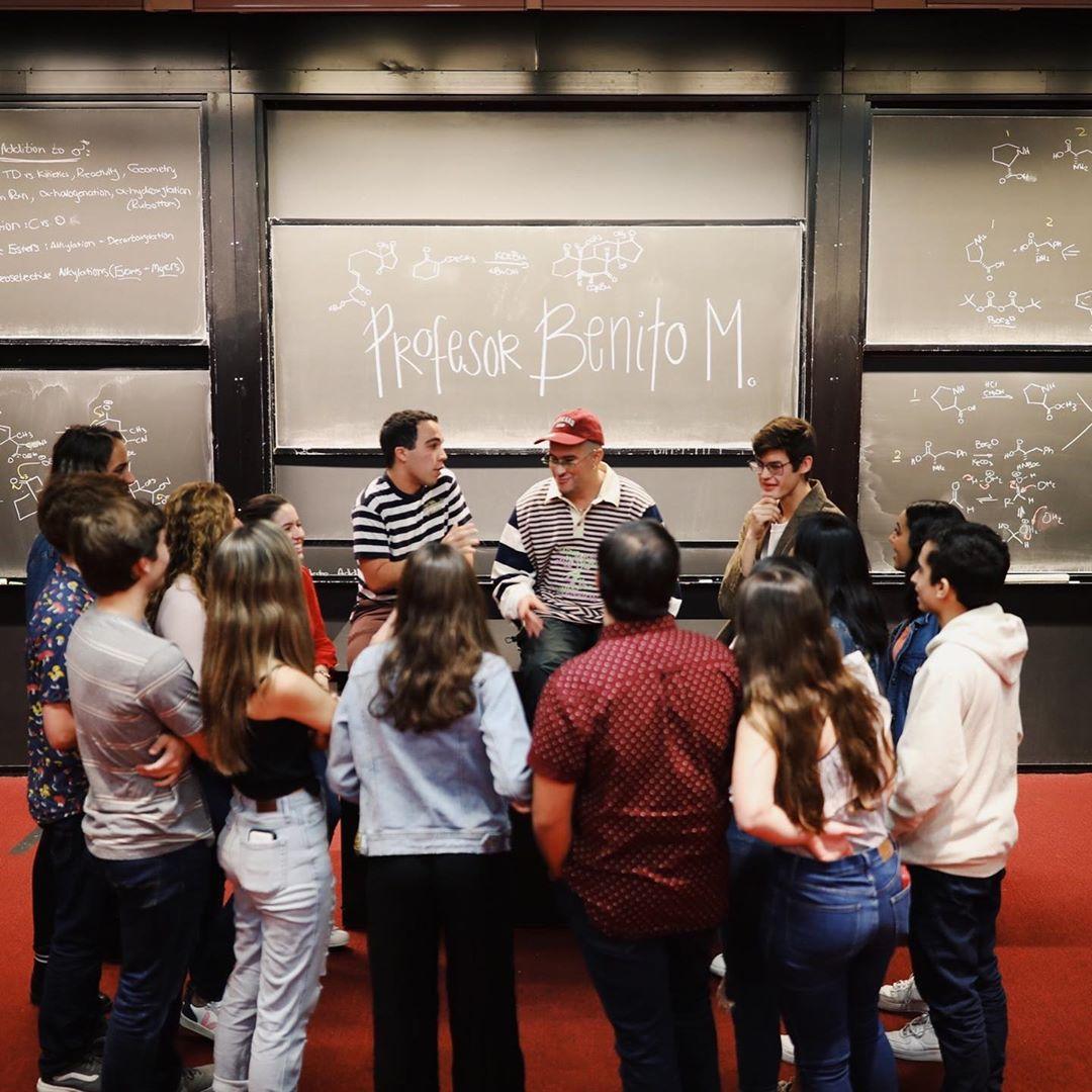 """""""La música es protesta e inclusión"""": Así fue la clase de Bad Bunny en Harvard de activismo y reggaetón"""