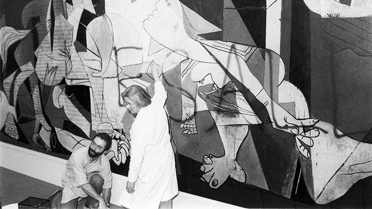 """El """"Guernica"""" de Picasso, vandalizado. Fotografía: ArtNewspaper"""