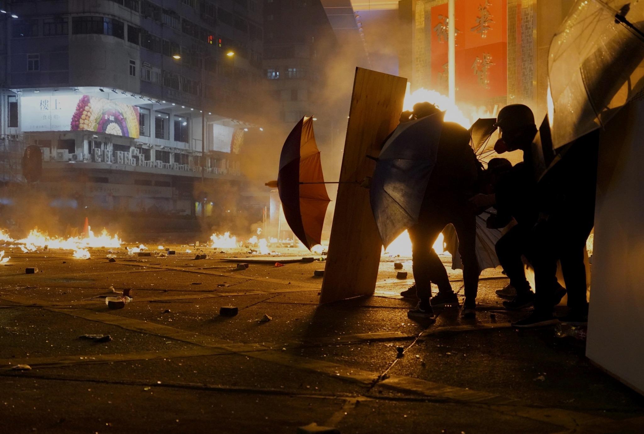 """Ai Weiwei responde a la creciente violencia en Hong Kong: """"Estos manifestantes son los héroes de nuestra era"""""""