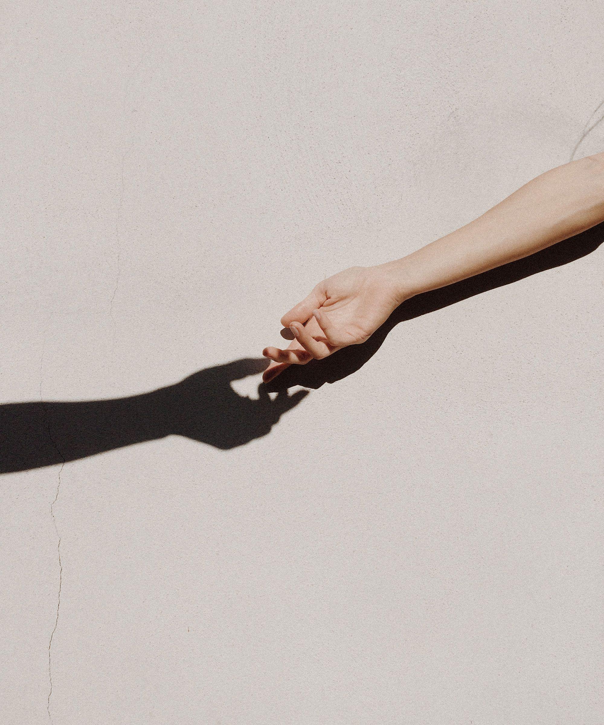 Estudio: Legalización del matrimonio igualitario impulsó una reducción dramática de suicidios