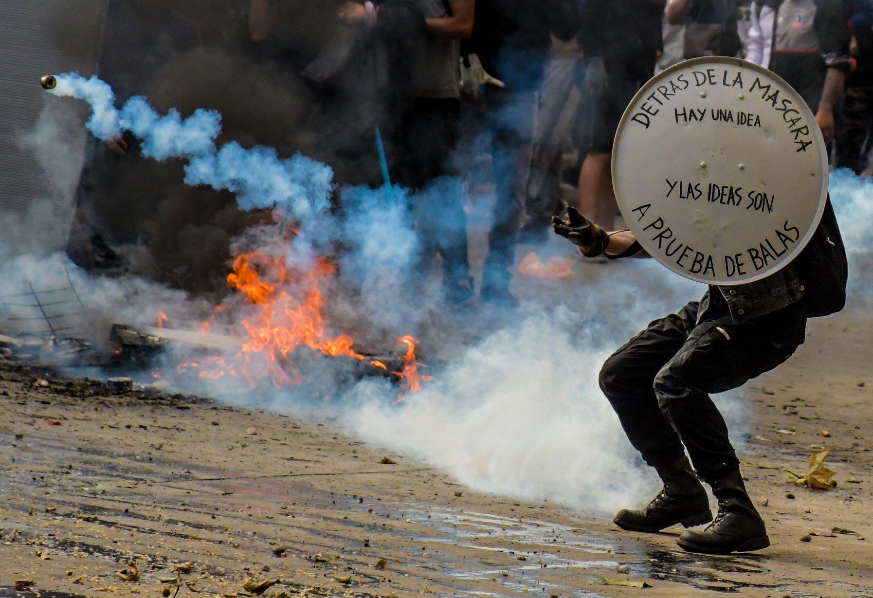 """7 frases de """"V for Vendetta"""" que inspiran a movimientos de resistencia alrededor del mundo"""