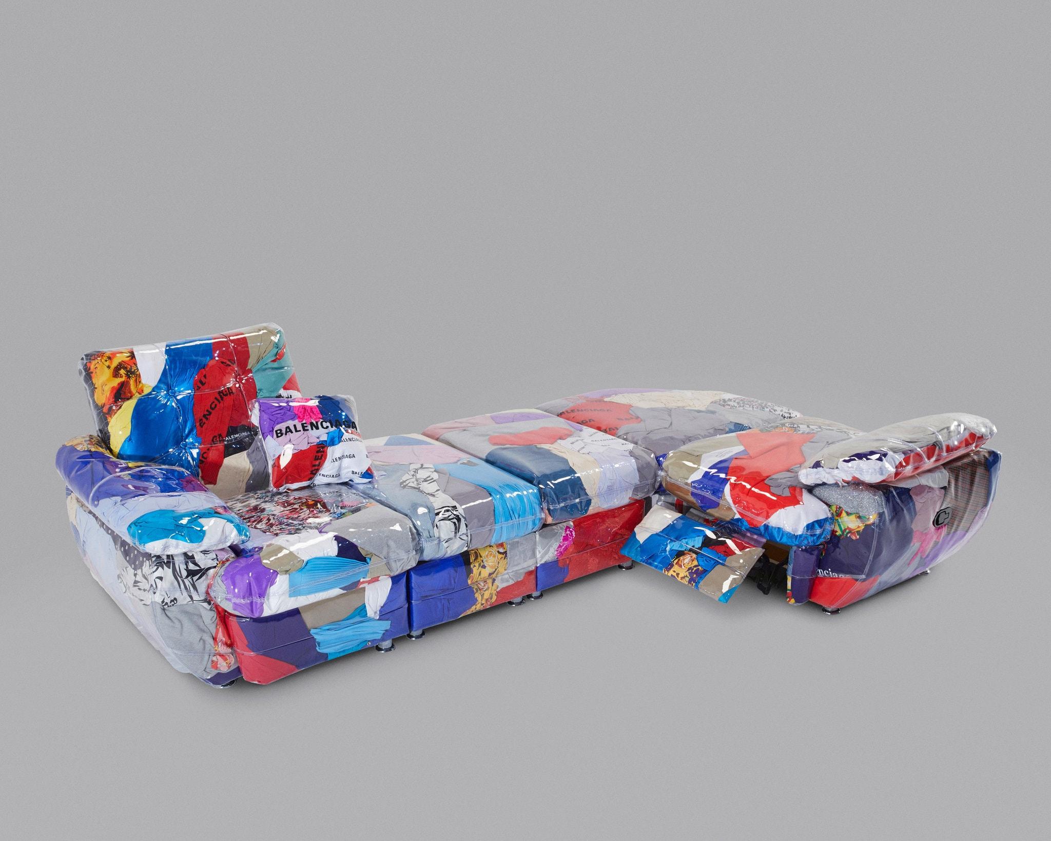 """""""Balenciaga Sofa"""". Harry Nuriev en colaboración con Balenciaga. Imagen. Cortesía de Harry Nuriev"""