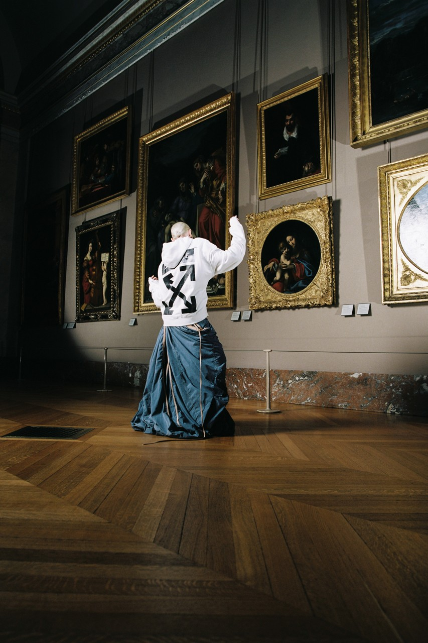 Parte de la colección de OFF-WHITE con el Museo de Louvre inspirada en Leonardo Da Vinci. Fotografía: OFF-WHITE
