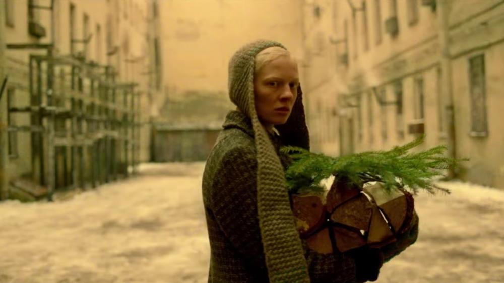 """""""Beanpole"""": El filme ruso que pretende llevarse el Oscar a Mejor Película Internacional es un vivo retrato de la posguerra"""
