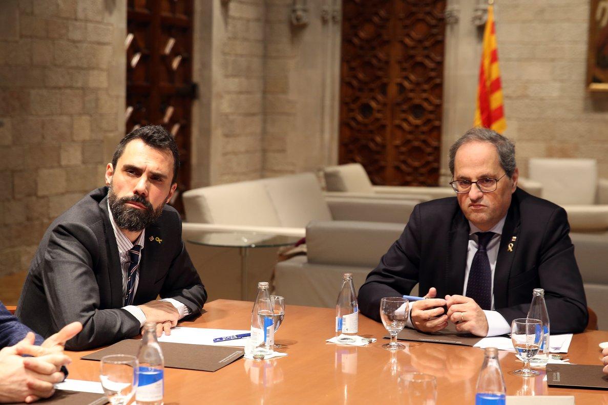 Parlamento catalán retira escaño al presidente de la Generalitat, Quim Torra